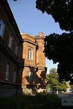 Переход ризалита центрально входа здания колледжа ПГТУ в Мариуполе