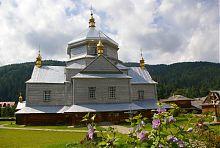 Троицкая церковь в селе Микуличин