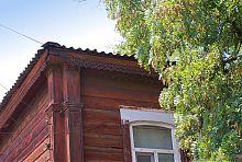 Резной декор здания Гоголевского училища на Слободке
