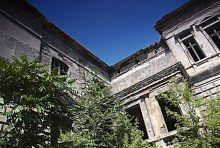 Крита тераса з балконом будинку Регіра