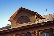 Люкарна північного фасаду клубу на Слобідці