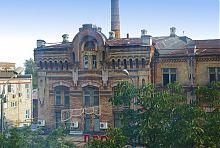 Восточный ризалит ликеро-водочного завода в Мариуполе
