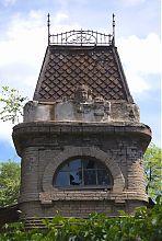 Завершение угловой башни дома городского архитектора Нильсена