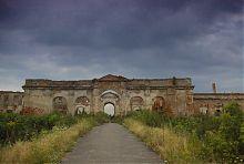 Надбрамний корпус ізяславського палацового комплексу Сангушко
