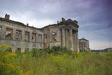 Північний центральний ризаліт палацу Сангушків в Ізяславі