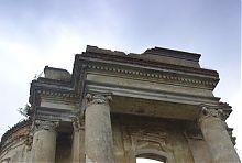 Антаблемент овального ризалита дворца Сангушко