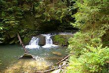 Водопад Девичьи слезы в урочище Жонка (Яремче)
