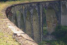 Колишнє залізничне полотно австрійського віадука в Ворохті