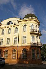 Западный фасад дома ди Полонне