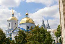 Купола барского храма Успения Богородицы