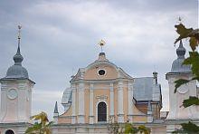 Центральний фасад костелу святого Йосифа Заславля
