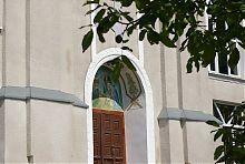 Портал центрального входа храма Рождества Христова в Дунаевцах