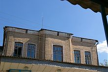 Центральний фасад синагоги в Дунаївцях