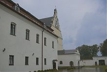 Двор доминиканского монастыря в Летичеве