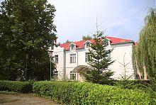 Будівля палацового комплексу Мощинських-Ледоховських в Волочиську