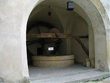 Замковый колодец замка в Олеско