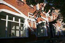 Центральный вход доходного дома Гринберга в Умани