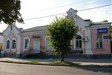 Центральний фасад будинку по уманської Садовій 21