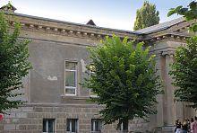 Центральный фасад бывшего кинотеатра им. Черняховского в Умани