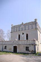 Главный вход и хедер Гусятинской синагоги