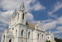 Католицький храм святої Анни в Барі