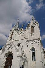Центральний фасад барського костелу святої Анни