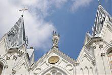 Святий захисник на фронтоні барського костелу святої Анни