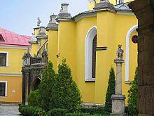 Південний фасад кам'янці-подільського кафедрального собору св. Петра і Павла