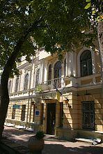 Східний центральний вхід Окружного суду