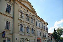 Центральний фасад снятинської ратуші