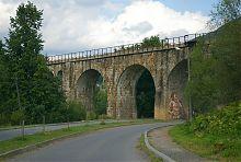 Дві проїзні арки Північного віадуку в Ворохті