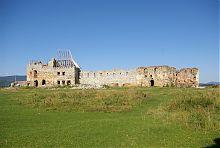 Внутрішній двір Пнівської фортеці