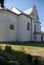 Східна гілка тренсепту Троїцького костелу (зараз центральний вхід)
