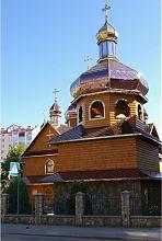 Дзвіниця надвірнянського Хрестовоздвиженського храму