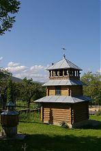 Дзвіниця комплексу церкви святого Миколая в Стримбі