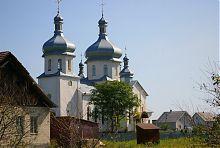 Південний фасад Свято-Михайлівського храму в Цуцилові