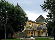 Внешний фасад ипподрома в Харькове