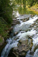 Пороги яремчанського водоспаду Пробій