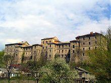 Південний фасад казарм Кам'янець-Подільської фортеці