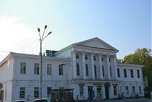 Центральний фасад полтавського дозвільно-розважального центру