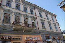 Східний фасад готелю Глаубарта в Чернівцях
