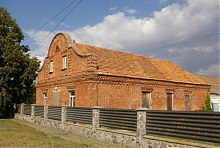 Дворовий фасад контори Нойфельда в Молочанську