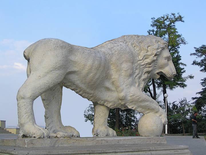 Лев одесского воронцовского дворца