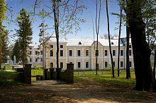 Западный флигель Вишневецкого дворца