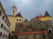 Средний двор мукачевского замка Паланок