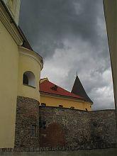 Північно-західний вхід в Верхній двір мукачівського замку Паланок