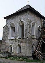 Каплиця біля Східної вежі фортеці в Хотині