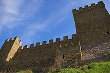 Соединительная стена Консульского замка генуэзской крепости в Судаке