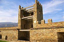 Башня Пасквале Джудиче генуэзской крепости в Судаке