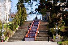 Сходи біля стін Старого замку в Тернополе